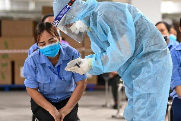 Gần 1.100 ca mắc Covid-19 trong làn sóng dịch thứ 4 là công nhân.